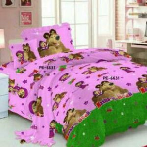 Sprei Masha And The Bear Pink